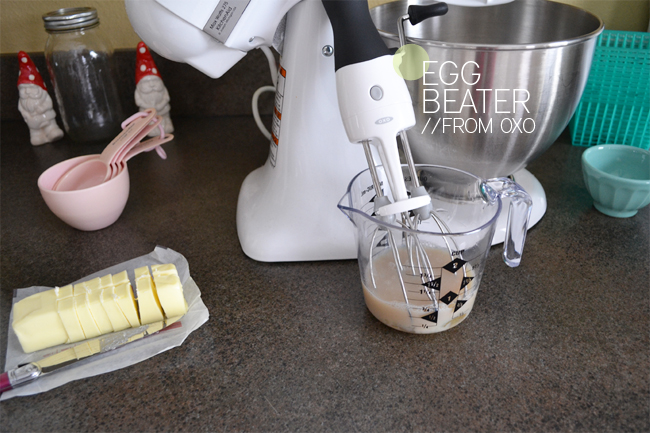 Making-Cupcakes-with-OXO-Egg-Beater