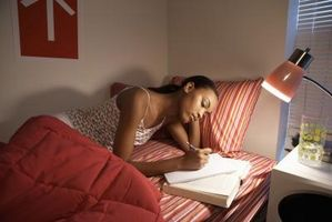 article-new-thumbnail-ehow-images-a08-84-4f-stay-studying-reading-late-night-800x800