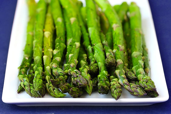 roasted-asparagus-dark-blue